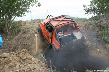 V Šuranoch pretekali terénne autá