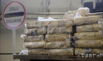 Peruánska polícia zaistila balíčky kokaínu s vyobrazeným Messim