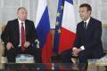 Stretnutie Macrona s Putinom trvalo dlhšie a padli aj obvinenia