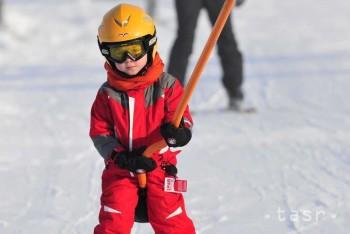 Jarné prázdniny sa v pondelok začnú školákom na strednom Slovensku