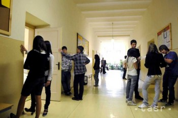 Prihlášky na stredné školy musia žiaci podať do stredy
