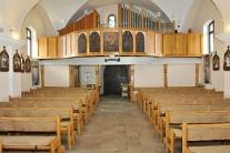 Interiér a fresky v Kostole sv. Štefana