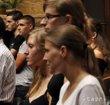 Študenti z krajín V4 a Ukrajiny sa dozvedajú, aké ťažké to majú lídri