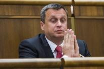 Mimoriadne vlaky na púť do Šaštína-Strážov zaplatí A. Danko