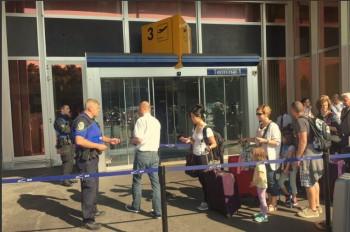 Žena chcela stopnúť odlet manžela, ženevské letisko strašila bombou