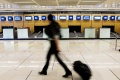 Pre zlú kontrolu batožiny čiastočne evakuovali letisko v Kolíne