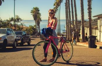 Vymeniť autá za bicykle sa oplatí aj mestám, vypočítali veľké úspory