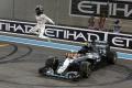 F1: Nico Rosberg päť dní po zisku titulu senzačne ukončil kariéru