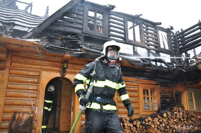 Z kozubu sa chytila chata v Osadnom, škody odhadujú na 30.000 eur