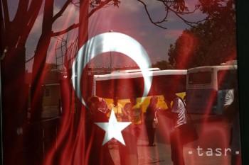 V Turecku zatkli za posledný týždeň 610 ľudí