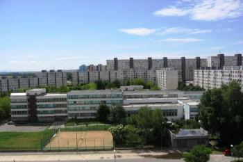 Prváci z Čunova budú cestovať od septembra do školy v Petržalke