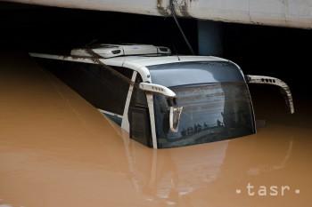 Povodne pri Aténach si vyžiadali už 19 životov