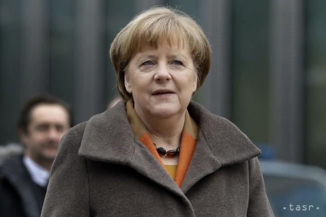 A. Merkelová chce rokovať o zostavení vlády aj s SPD