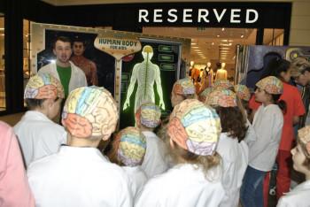 Interaktívna výstava Moje telo zaujala aj školákov z CVČ Svit