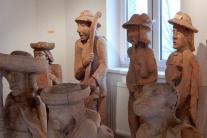 Galéria ľudového rezbárstva v Babíne, vyrezávané d