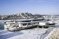 Zamrznutý Dunaj v Budapešti, Maďarsko
