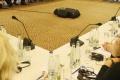Predseda novozélandského parlamentu viedol zasadnutie s bábätkom